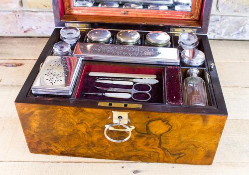 Burr Walnut Vanity Box c.1860 (1 of 1)