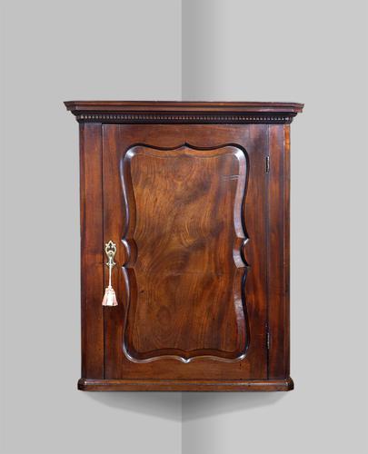 Georgian Corner Cupboard c.1790 (1 of 5)