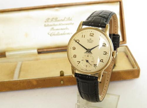 Gents 9ct Gold Smiths De Luxe Wrist Watch, 1963 (1 of 5)