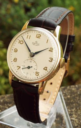 Gents 9ct Gold Smiths De Luxe Wristwatch, 1959 (1 of 1)