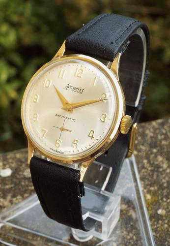 Gents 9ct Gold Accurist Wristwatch, 1965 (1 of 1)