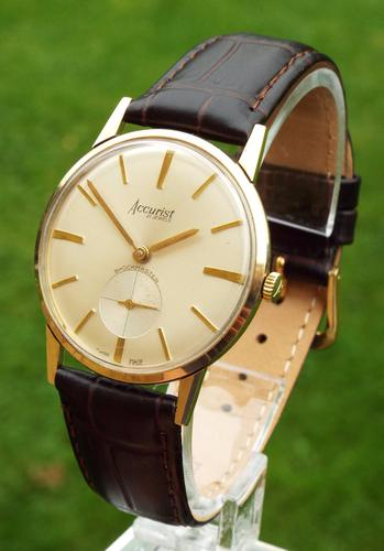 Gents 9 Carat Gold Accurist Wrist Watch, 1964 (1 of 1)