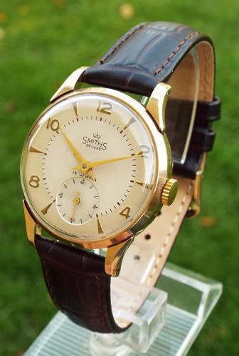 Gents 9ct Gold Smiths De Luxe Wristwatch, 1955 (1 of 1)