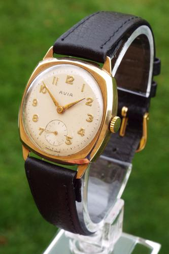 Mid-Size 9 Carat Gold Avia Cushion Cased Wrist Watch, 1961 (1 of 1)