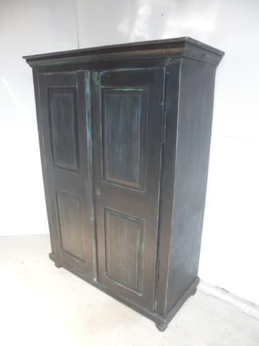 Lovely Georgian Antique Pine Painted Black 1 Piece Child's / Hall Wardrobe (1 of 11)