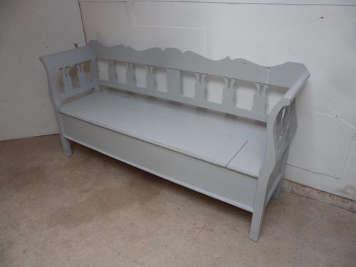 Pretty Old Pine Light Grey Shabby Chic 3 Seater Box Settle / Bench c.1920 (1 of 1)