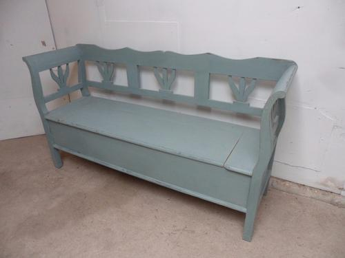 Superbly Painted Pine Shabby Chic Turquoise 3 Seater Box Settle / Bench c.1920 (1 of 1)