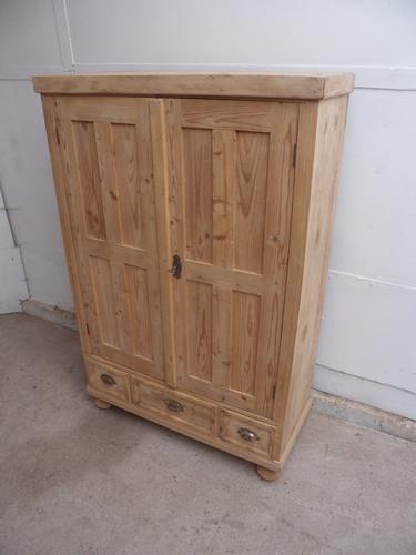Late Victorian Antique Pine 2 Door 3 Cup Handle Drawer Storage Cupboard (1 of 1)