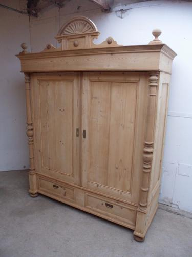 Amazing Quality Antique Old Pine Large 2 Door Victorian Knockdown Wardrobe (1 of 1)