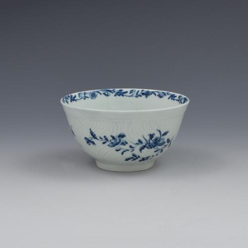 First Period Worcester Porcelain Feather Moulded Floral Small Slop Bowl (1 of 6)