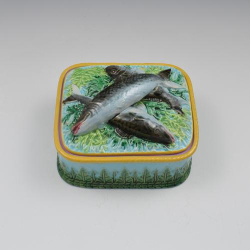 Victorian George Jones Majolica Sardine Box Turquoise Ground (1 of 11)