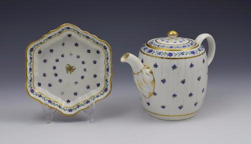 Caughley Barrel Fluted Teapot & Stand French Spring Pattern c.1785 (1 of 1)