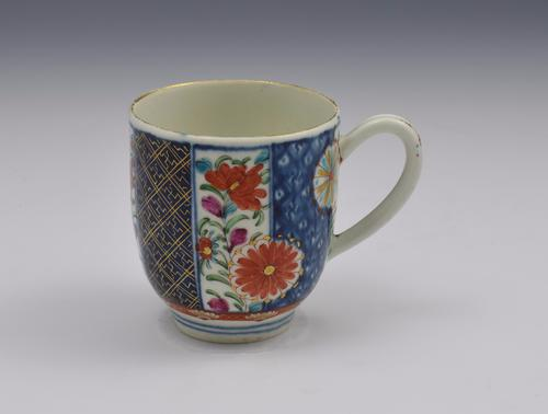 Pretty First Period Worcester Coffee Cup Old Mosaic Pattern c.1770 (1 of 1)