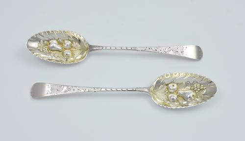 George III Pair of Silver Gilt Berry Spoons 1778 London William Cattell (1 of 1)