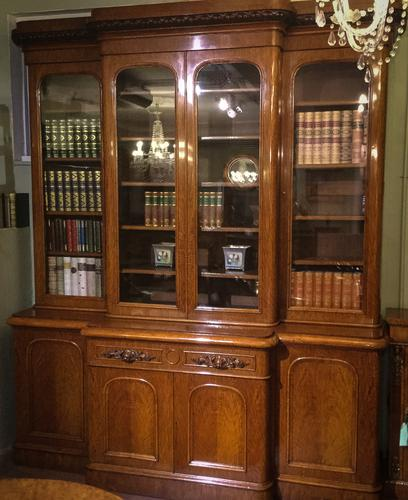 Very Good Victorian Breakfront 4 Door Oak Bookcase (1 of 1)