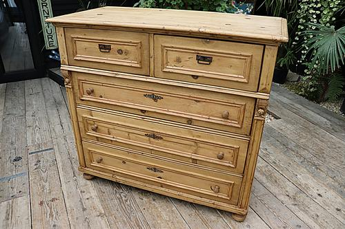 Wow! Fabulous and Big!! Old Pine Chest of Drawers / Sideboard - We Deliver (1 of 10)
