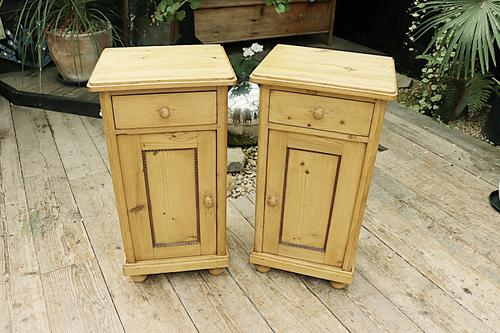 Quality Pair of Large Old Antique Pine Bedside Cabinets / Cupboards. We Deliver! (1 of 9)