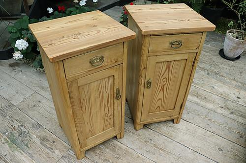 Nice 'Chunky' Pair of Old Stripped Pine Bedside Cabinets / Cupboards - We Deliver! (1 of 8)