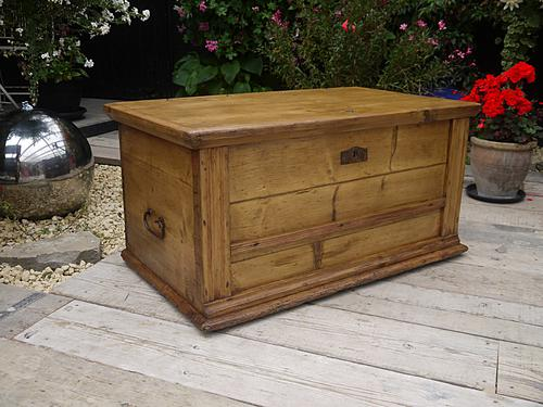 Lovely! Very Old Antique Victorian Pine Blanket Box Chest / Trunk / Table / Storage (1 of 1)