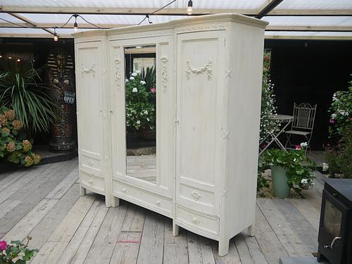 Fabulous! Large Old Painted Pine Hardwood Sectional Shabby Chic Triple Wardrobe (1 of 1)