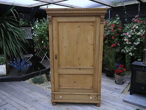 Superb! Old Victorian Antique Pine Cupboard / Wardrobe - Linen / Food / Kitchen Larder (1 of 1)