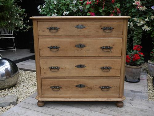 Lovely Old & Quality Antique Victorian Pine Chest of Drawers (1 of 1)