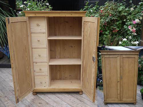 Fab! Old Antique Pine Linen / Food / Kitchen Cupboard (1 of 1)