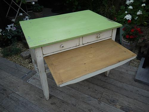 Lovely Old Vintage Shabby Chic Pine & Painted Kitchen / Dining Table / Desk (1 of 1)