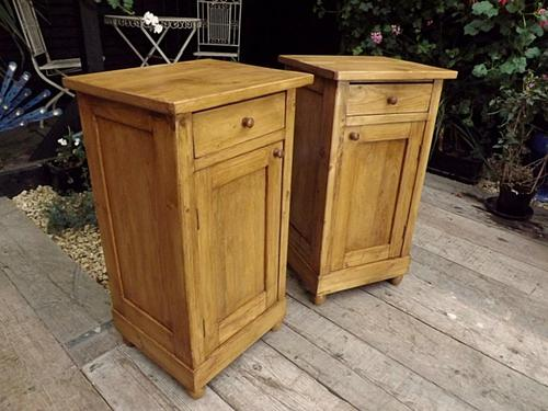 Fabulous! Pair of Old Antique Pine Bedside Cabinets/Lamp Tables/Pot Cupboards (1 of 1)