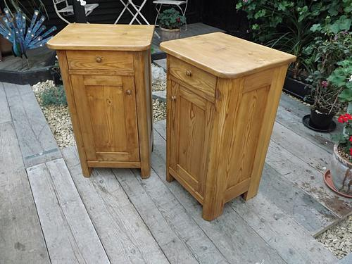 Nice Large Pair of Old Pine Bedside Cabinets / Lamp Tables / Pot Cupboards (1 of 1)
