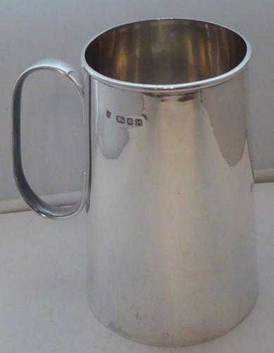 1 Pint Hallmarked Solid Silver Tankard Christening Mug 289g 1943 (1 of 1)