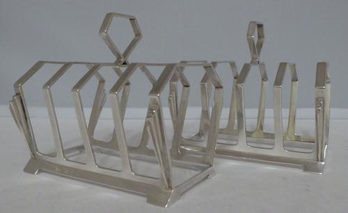 Stunning Pair of Art Deco Solid 1932 Hallmarked Silver Toast Racks (1 of 1)
