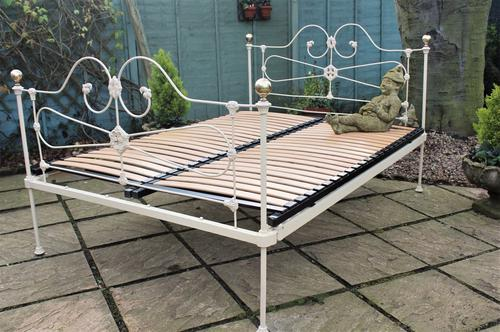 Pretty Victorian Cast Iron Double Bed Painted Ivory (1 of 1)
