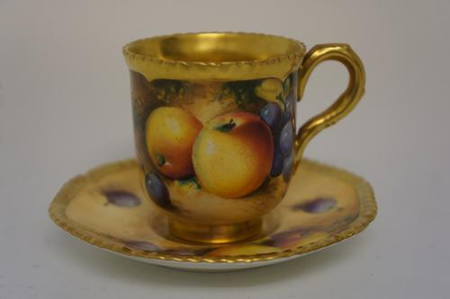 Royal Worcester Fallen Fruit Cup & Saucer (1 of 6)