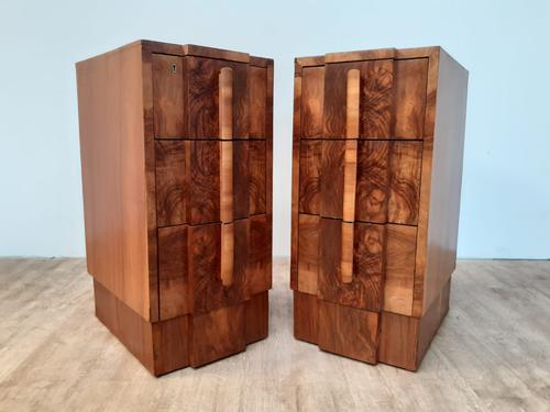 Pair of Walnut Art Deco Bedside Chests (1 of 9)