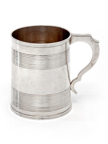 Victorian Silver Christening Mug with a Reeded Banded Plain Body (1 of 4)