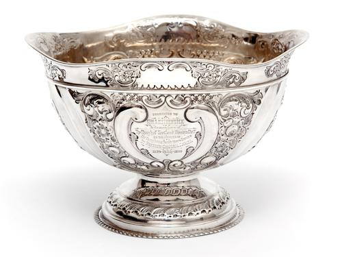 Late Victorian Oval Silver Fruit Bowl Embossed with Scrolls and Flowers (1 of 7)