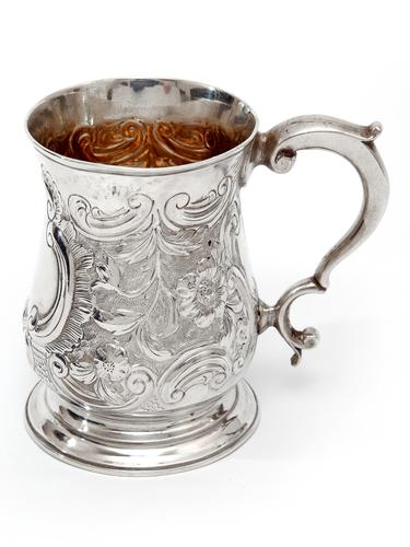 George III Silver Baluster Shape Christening Mug with a Cast Scroll Handle (1 of 4)