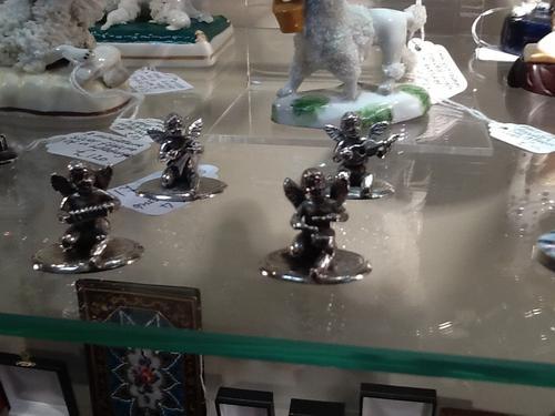 Set of Silver Cherub Menu Holders (1 of 1)