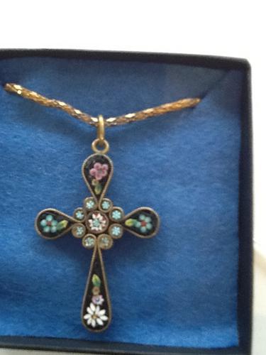 Victorian Cross Pendant (1 of 1)