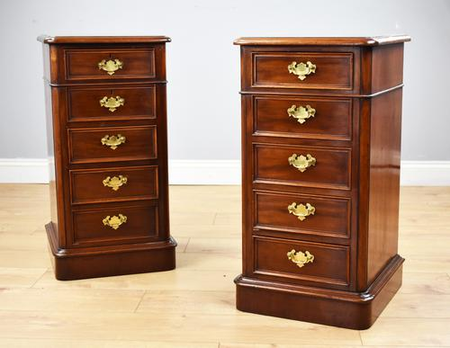 Pair of Victorian Mahogany Bedside Chests (1 of 5)