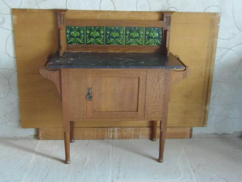 Liberty & Co Style Oak Washstand (1 of 1)