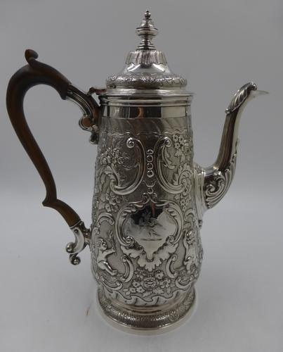 Antique George IV Silver Coffee Pot. London 1823 (1 of 16)