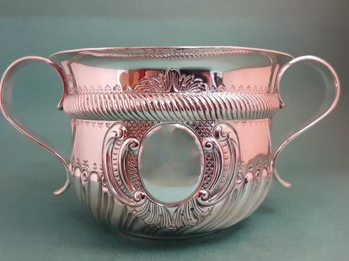 Fine Quality Antique Victorian Silver Porringer / Bowl (1 of 8)