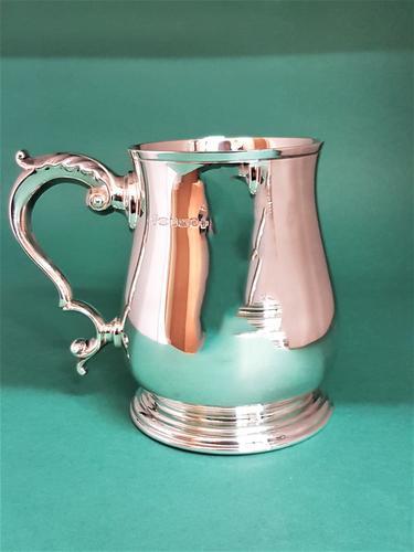 Good Quality Plain Modern Silver Pint Mug/Tankard. Sheffield 2000 (1 of 1)