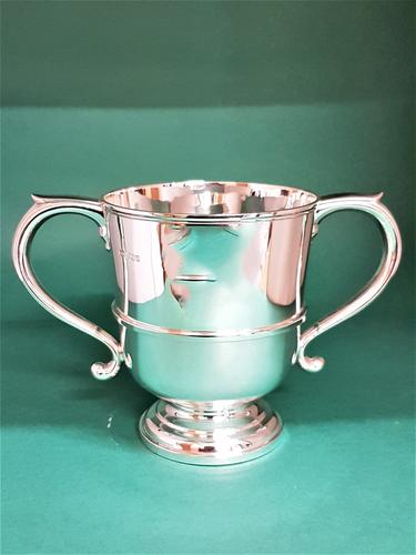 Fine Quality Two Handled Silver Trophy Cup (1 of 1)