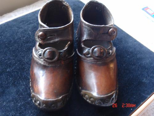 Childrens Clogs c.1900 (1 of 1)