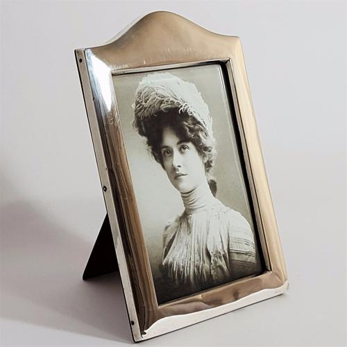 Quality Silver Arched Photo Frame by Charles S. Green 1918 (1 of 1)