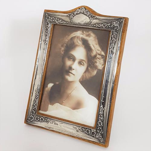 Silver Rectangular Repousse Decorated Photo Frame 1922 (1 of 1)