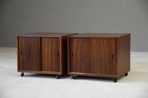 Pair of Retro Bedside Cabinets (1 of 12)
